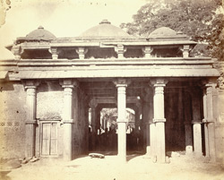 Close view of part of the tomb in front of Malik Sarang's Mosque (Queen's Mosque), known as Rani Bibi's Rauza, Sarangpur, Ahmadabad 1813